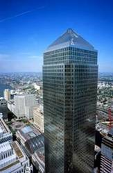 Canary Wharf Serviced Office Space to Rent from £400 per desk