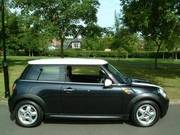 mini cooper black with only 2000 miles 2007 57 plate